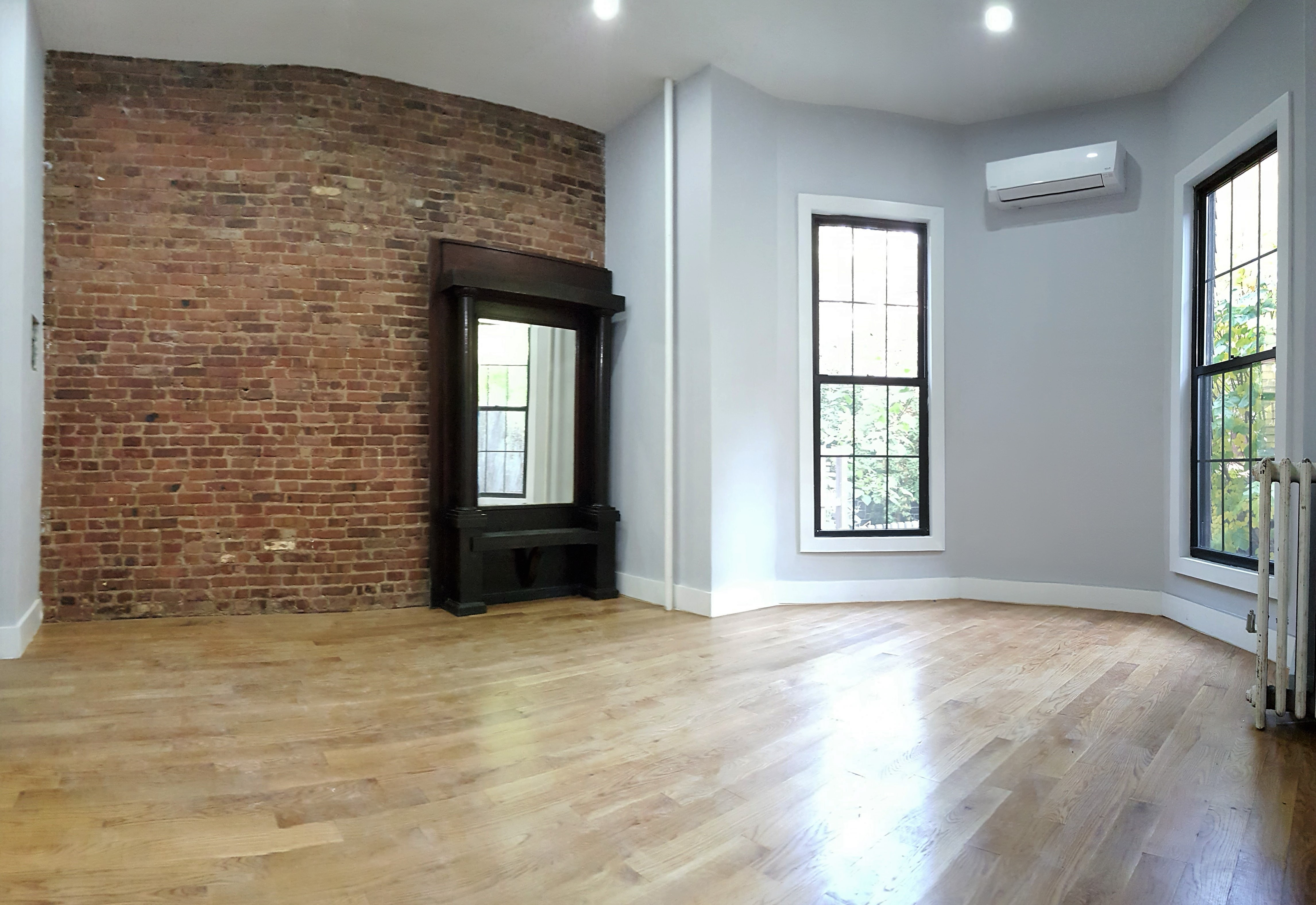 Ultra Luxury Studio In A Tall Red Brownstone Prime Clinton Hill Contact Yitz For Showing 347 406 0764